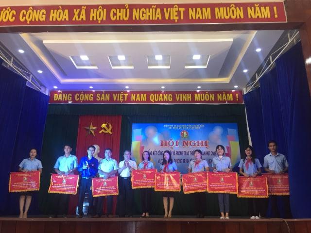 VẠN NINH: Hội nghị tổng kết công tác Đội, phong trào thiếu nhi năm học 2018 - 2019 3