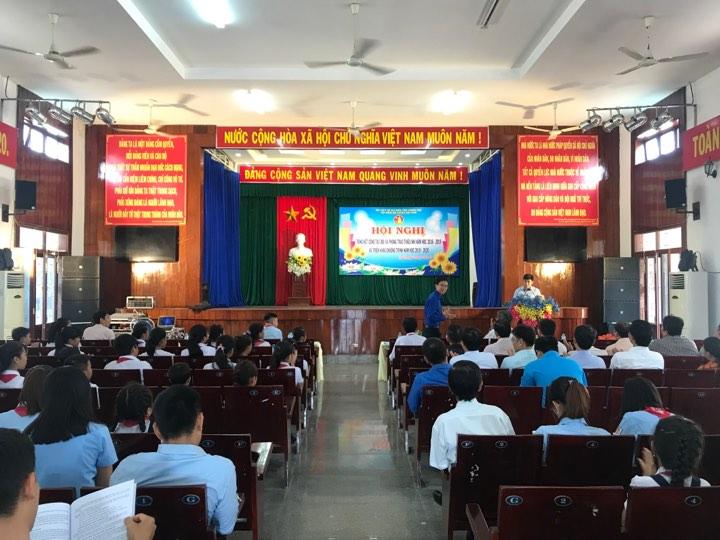 VẠN NINH: Hội nghị tổng kết công tác Đội, phong trào thiếu nhi năm học 2018 - 2019 1