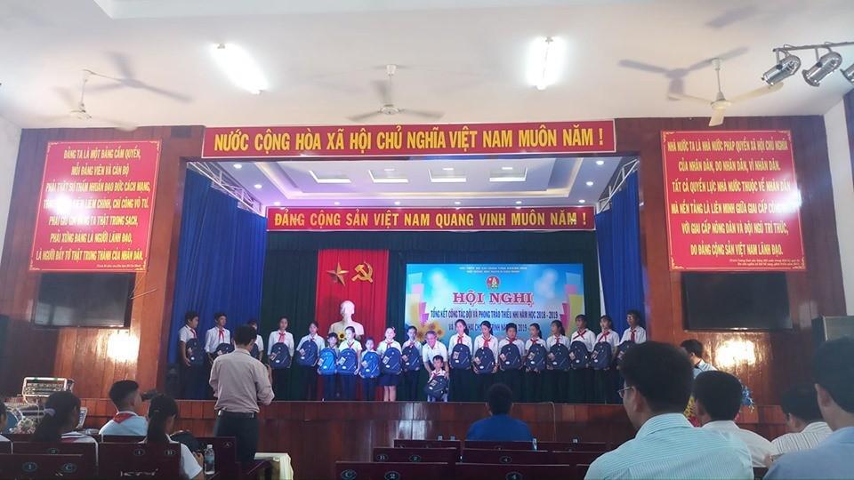 VẠN NINH: Hội nghị tổng kết công tác Đội, phong trào thiếu nhi năm học 2018 - 2019 4