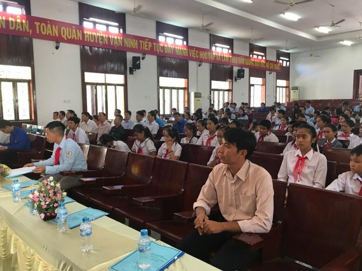 VẠN NINH: Hội nghị tổng kết công tác Đội, phong trào thiếu nhi năm học 2018 - 2019 5