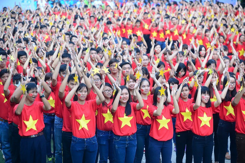 Lấy ý kiến góp ý vào Dự thảo văn kiện Đại hội đại biểu toàn quốc Hội LHTN Việt Nam lần thứ VIII 1