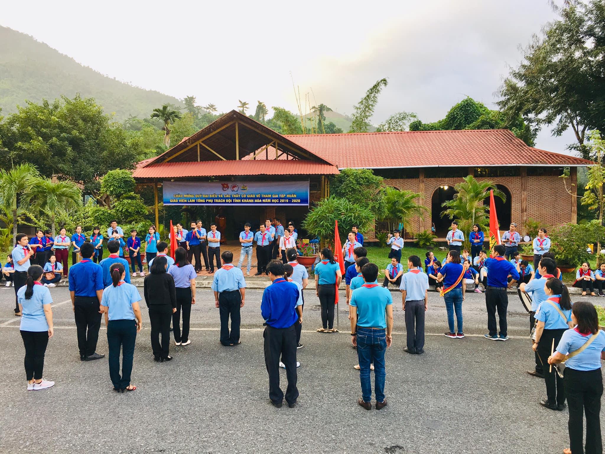 Bế mạc lớp Tập huấn Giáo viên làm Tổng phụ trách Đội tỉnh Khánh Hoà năm học 2019-2020 1