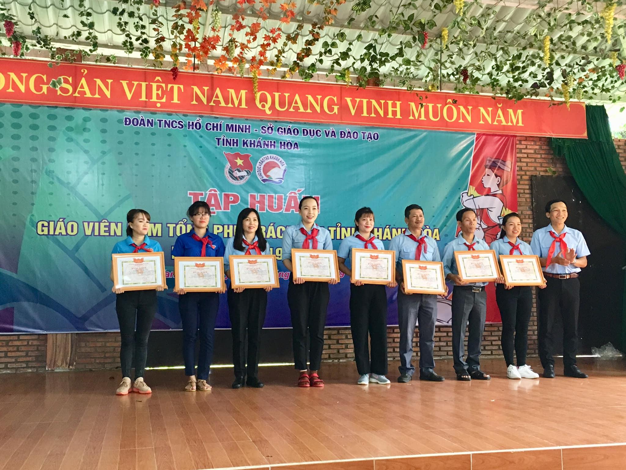 Bế mạc lớp Tập huấn Giáo viên làm Tổng phụ trách Đội tỉnh Khánh Hoà năm học 2019-2020 5