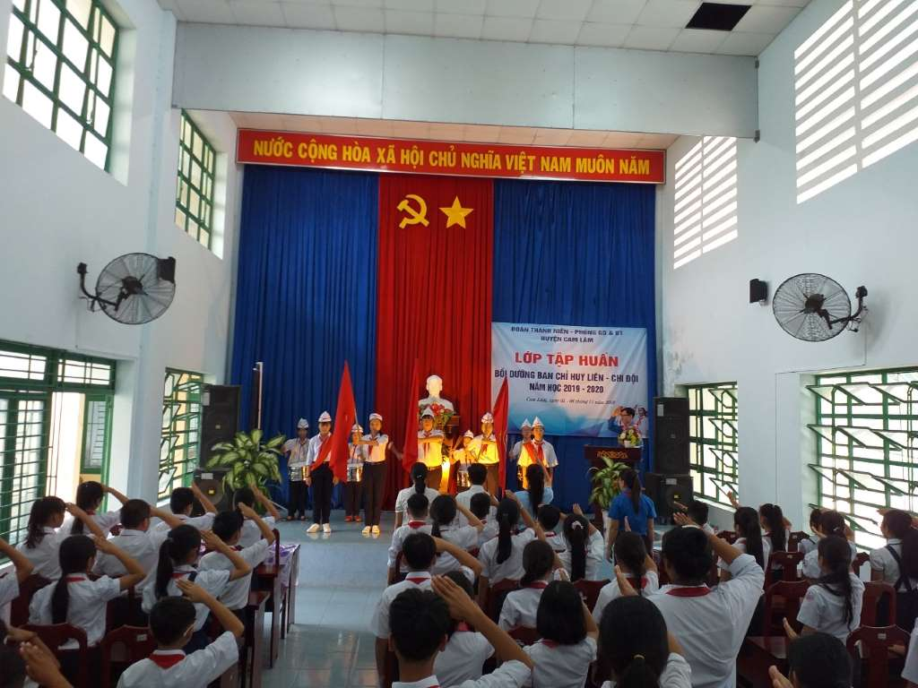 CAM LÂM: Lớp tập huấn Ban Chỉ huy Liên, Chi đội các trường Tiểu học, THCS năm học 2019-2020. 1