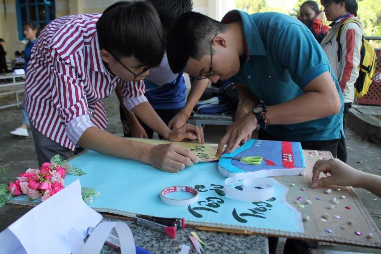 ĐẠI HỌC NHA TRANG: Các hoạt động chào mừng Ngày Nhà giáo Việt Nam 1
