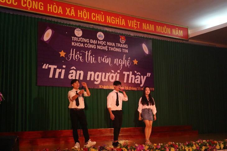 ĐẠI HỌC NHA TRANG: Các hoạt động chào mừng Ngày Nhà giáo Việt Nam 6