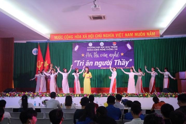 ĐẠI HỌC NHA TRANG: Các hoạt động chào mừng Ngày Nhà giáo Việt Nam 5