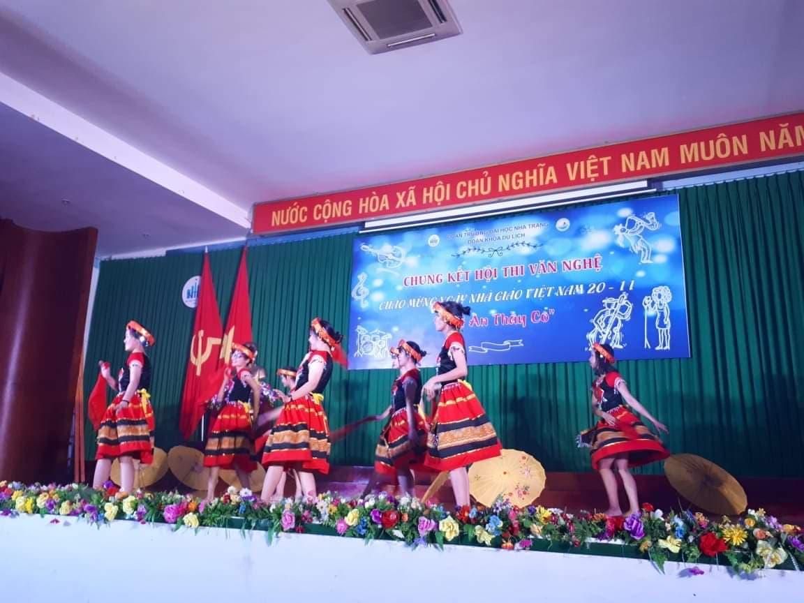 ĐẠI HỌC NHA TRANG: Các hoạt động chào mừng Ngày Nhà giáo Việt Nam 2