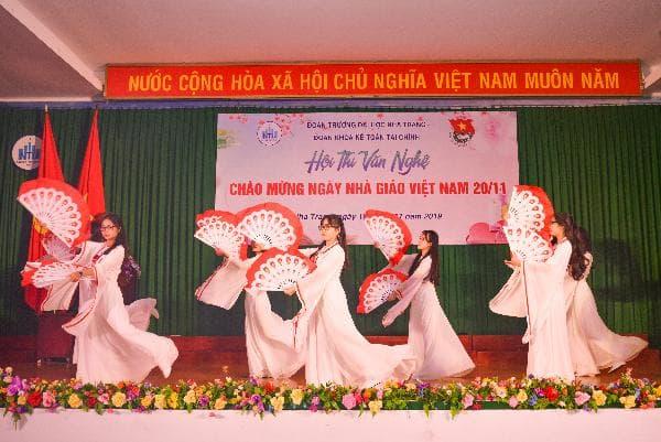 ĐẠI HỌC NHA TRANG: Các hoạt động chào mừng Ngày Nhà giáo Việt Nam 7