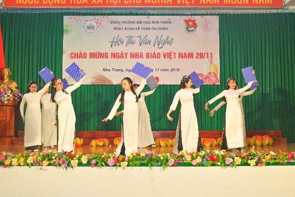 ĐẠI HỌC NHA TRANG: Các hoạt động chào mừng Ngày Nhà giáo Việt Nam 4
