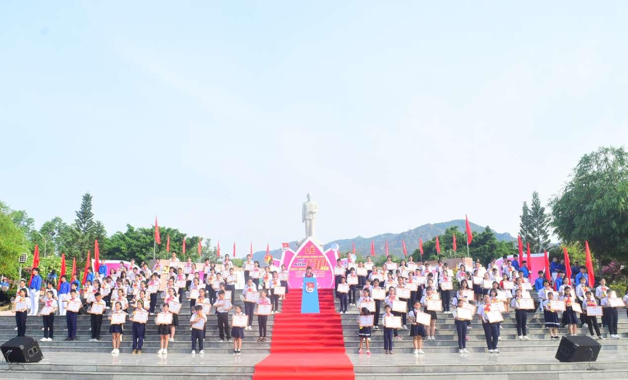 Tuyên dương 130 đội viên tiêu biểu trong học tập và làm theo 5 Điều Bác Hồ dạy