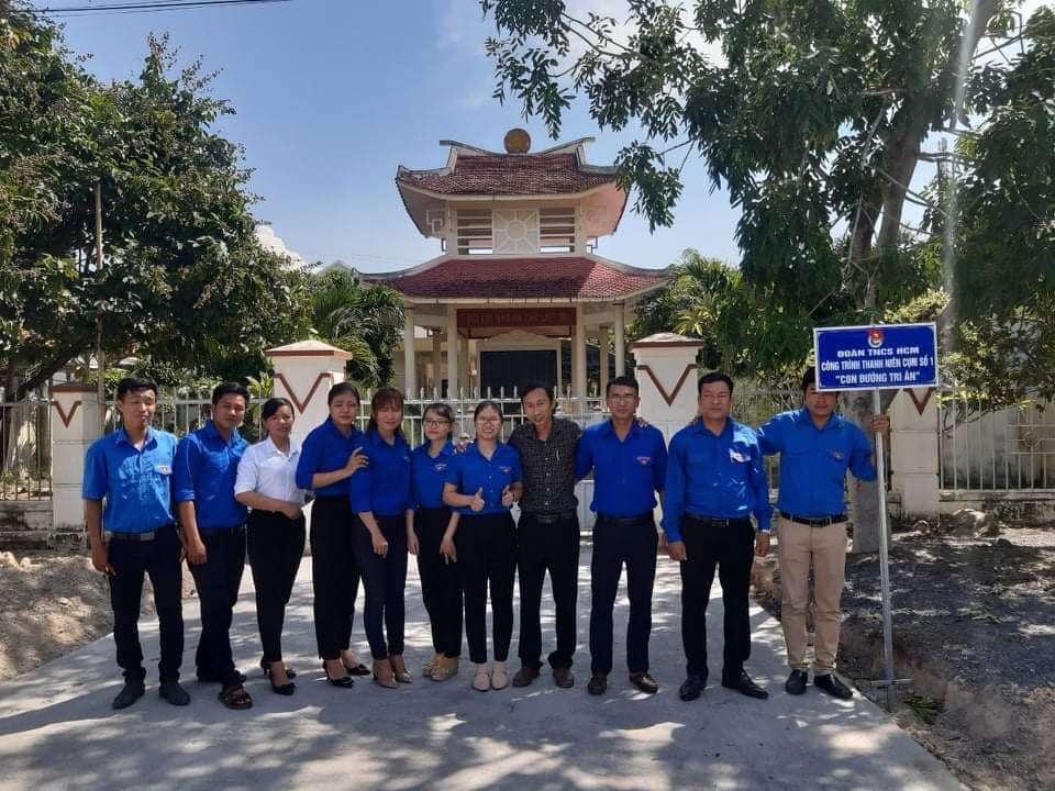 """Công trình thanh niên """"Con đường tri ân"""" dài 12m tại xã Ninh Giang"""